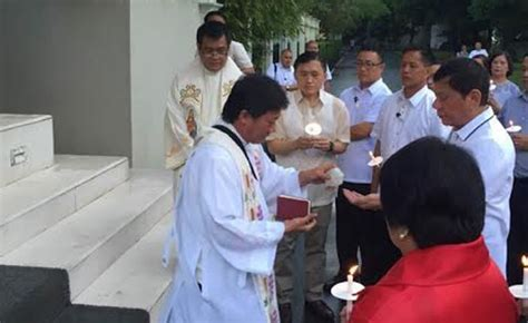 Home alone: Slippers-clad Duterte attends blessing of