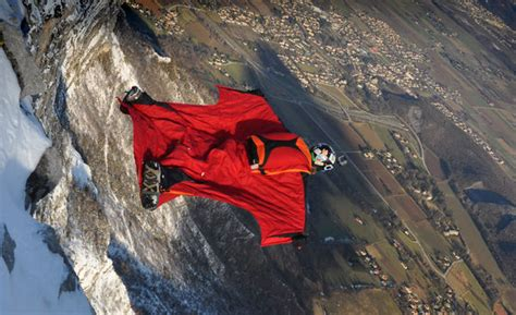 Flying Squirrel Suits : Squirrel Wingsuits