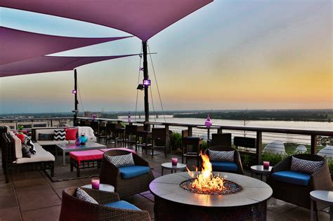 The Twilight Sky Terrace Rooftop Restaurant In Tennessee