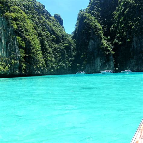 Stories from the East: Phi-Phi: Is it Pee-Pee or Paradise?