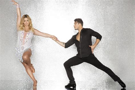 Dancing with the Stars' Season 25 Cast Features a '90s